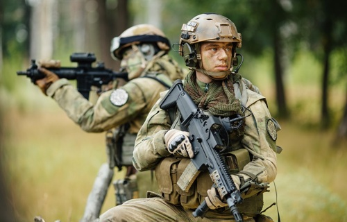 Protective clothing: Militar - Multilayer fabrics - Applications